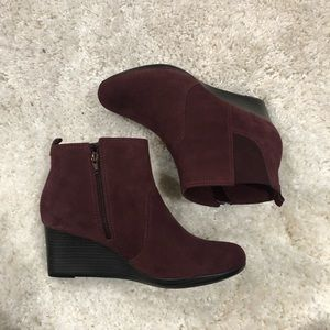 Clark burgundy or wine color ankle boots size 11